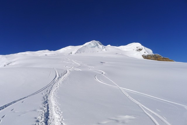 M2 - Mera Peak